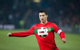 Ronaldo, Messi e Suárez são os três finalistas da UEFA