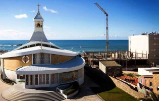 Cidadãos impugnam construção de prédio junto à Igreja das Caxinas