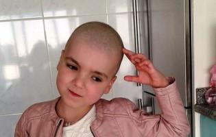 Pais da Luna doaram dinheiro angariado a crianças com cancro