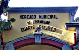 """""""Market Place"""" de artigos em 2.ª mão no Mercado Municipal de Vila do Conde"""