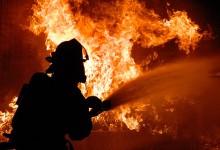Bombeiros de Vila do Conde combatem incêndio em Guilhabreu
