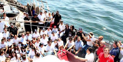 Alunos de Vila do Conde navegam pelo Atlântico a bordo do Creoula