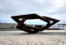 Escultura de Robert Schad exposta em Vila Chã