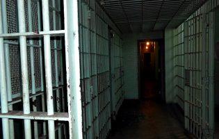 Homem que mandou matar os pais foi condenado a oito anos e oito meses de prisão
