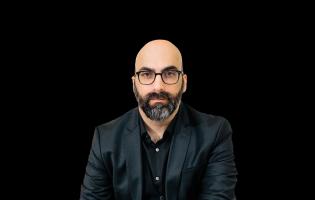 Valter Hugo Mãe é o Autor do Mês da Livraria Lello