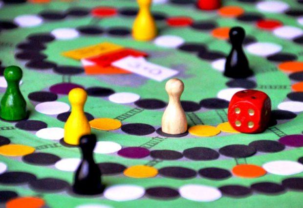 Jovens trocam Inglaterra por aventura com jogos de tabuleiro em Vila do Conde