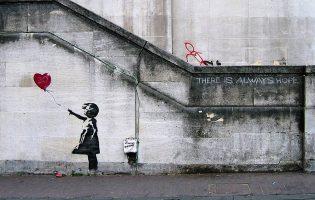 Alfândega do Porto vai receber exposição de fotografia sobre street artist britânico Banksy