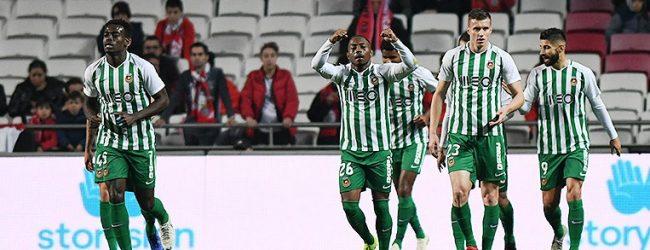 Rio Ave começa jogo a ganhar ao Benfica mas acaba a perder
