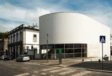 Portugal fora dos finalistas do prémio de arquitetura Mies van der Rohe em que primeiro vencedor foi edifício de Vila do Conde