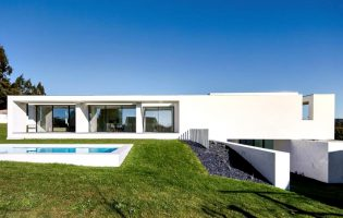 Prémio internacional de arquitetura distingue casa de Vila do Conde de Raulino Silva