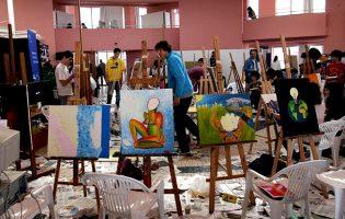 A Europa foi pintada nas telas de jovens artistas na Praça dos Pintores da Póvoa de Varzim