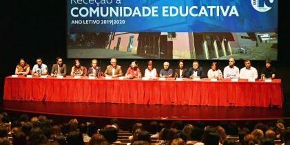 Comunidade Educativa de Vila do Conde recebida publicamente pelo Município no Teatro Municipal