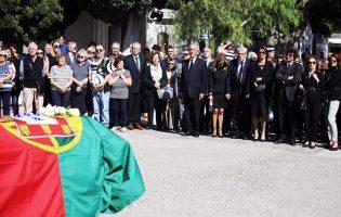 Assembleia da República aprova voto de pesar por óbito de poveiro Diogo Freitas do Amaral