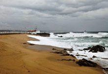 Barras de Vila do Conde e da Póvoa de Varzim fechadas devido à agitação marítima