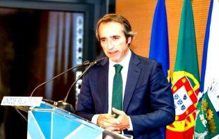 """Presidente da Câmara da Trofa pede saída do Governo do ministro """"alucinado"""" do Ambiente"""