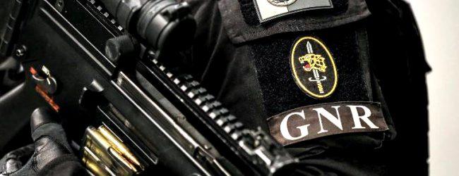 GNR apreende vestuário furtado em Vila do Conde no valor de 66 mil euros e detém suspeito