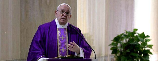 """Papa Francisco diz que """"uma empresa que despede para se salvar, não é a solução"""""""