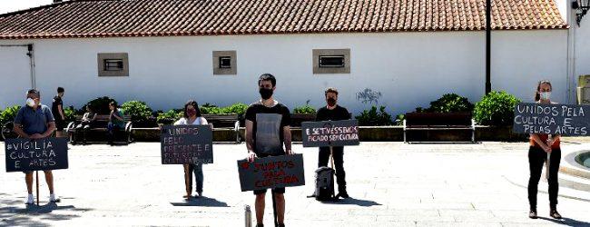 """Vigília na Praça Vasco da Gama de Vila do Conde solicita """"fundo de emergência"""" para a Cultura"""