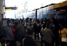 """Utentes criticam metros """"à pinha"""" e autocarros """"lotados"""" nos transportes públicos do Porto"""