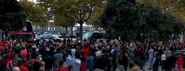 Adeptos recebem Benfica em Vila do Conde para jogo com Rio Ave sem cumprirem normas da DGS