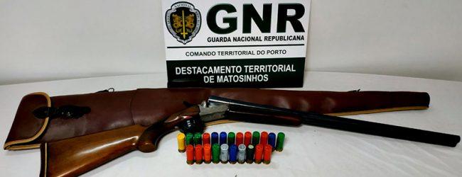GNR detém homem de 75 anos de idade na Póvoa de Varzim por posse ilegal de arma de fogo