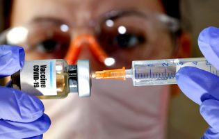Saiba se vai ser vacinado contra a Covid-19 já na primeira fase do Plano Nacional de Vacinação