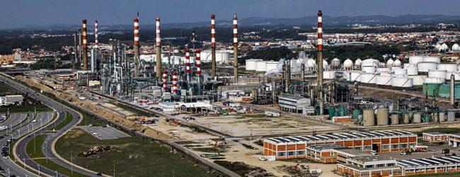 """Trabalhadores da Petrogal dispostos a """"tudo"""" pela defesa da refinaria da Galp de Matosinhos"""