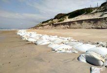APA notifica empresa para que recolha sacos de plástico da praia da Estela na Póvoa de Varzim