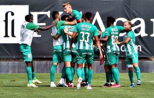 Rio Ave vence dérbi em casa do Varzim por 3-0
