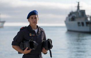 """Adriana Oliveira é """"mais uma pioneira"""" nas Forças Armadas e Ministro espera que não seja a última"""