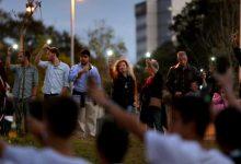 Pais solidarizam-se com professora agredida na Póvoa de Varzim e fazem cordão humano