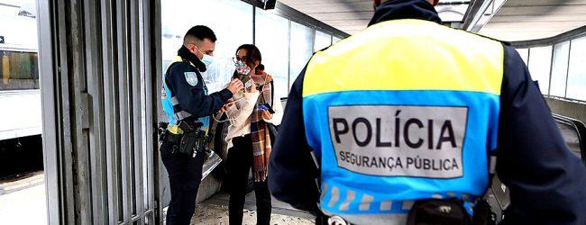 Homem e mulher com Covid-19 apanhados pela PSP a passear e a trabalhar em Vila do Conde