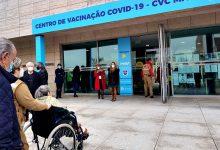 Problema informático e presenças por confirmar criam filas para vacina contra a Covid-19 na Maia