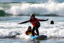 """Projeto """"Onda Social"""" quer abranger 360 a 380 jovens em risco de Matosinhos através do surf"""