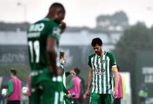 Arouca desafia expectativas e regressa à I Liga após duas subidas despromovendo Rio Ave