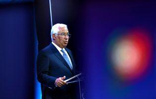 """António Costa anuncia três fases """"de libertação da sociedade e da economia"""" até outubro"""